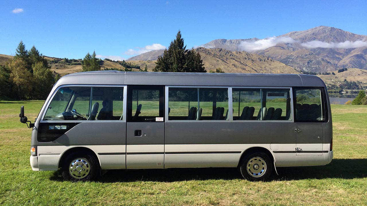 Toyota Coaster 22 Seats